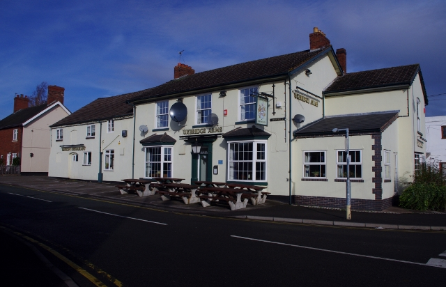 uxbridge-arms-chasetown-111104-640x412