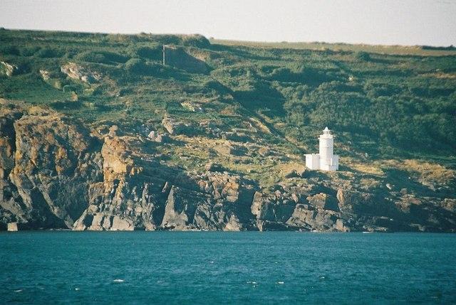 tater-du-lighthouse-geograph-chris-downer