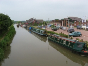 Ashby Canal, Hinckley