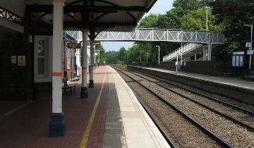 Hinckley Station, that shade was welcome!
