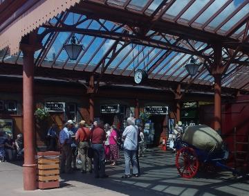 kidderminster station concourse 2 (360x283)