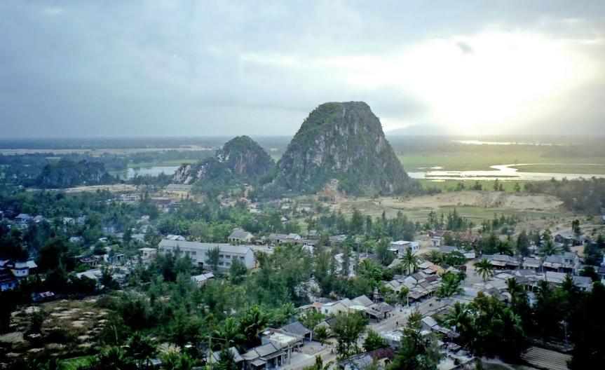 Marble_Mountains,_Vietnam wikimedia